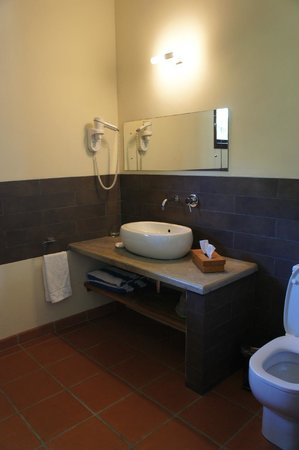 Fleur de Sel: Immense salle de bains