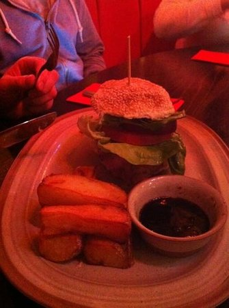 Papa G's: burger with fat chips
