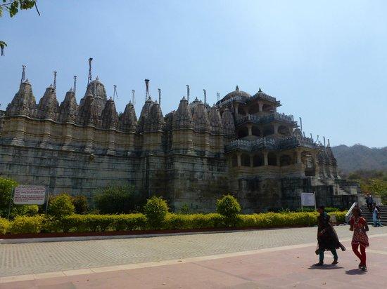 Jain Temple - Ranakpur: esterno