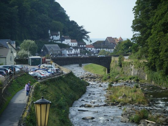 The Captain's House: Stunning view of Lynmouth by the hotel