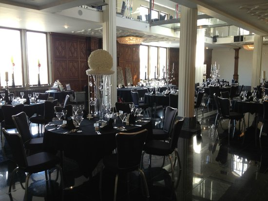 Saddleworth Hotel: View of the wedding reception area table layout
