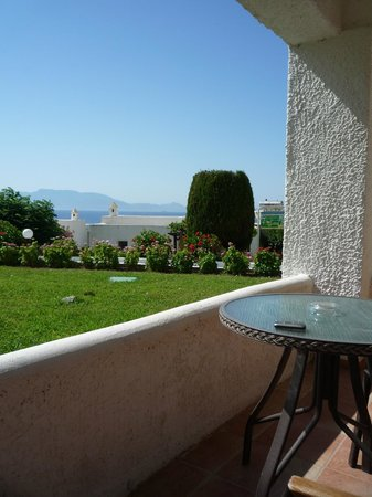Dimitra Beach Hotel: vista dalla camera...non male :)