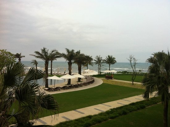 Hyatt Regency Danang Resort & Spa: Sandy Beach View