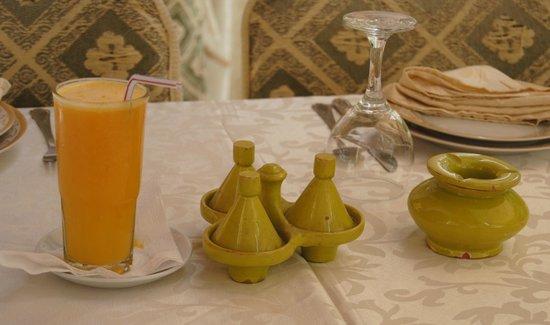 Riad l'Orangeraie : tearoom souk