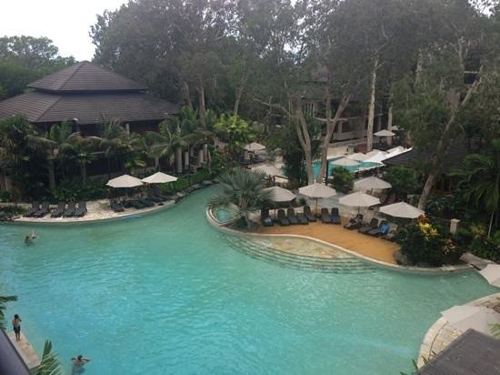 Pullman Palm Cove Sea Temple Resort & Spa: Lagoon Pool