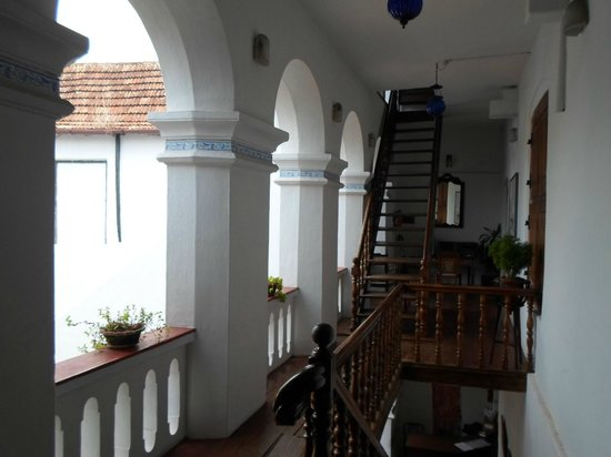 The Old Courtyard: balcony