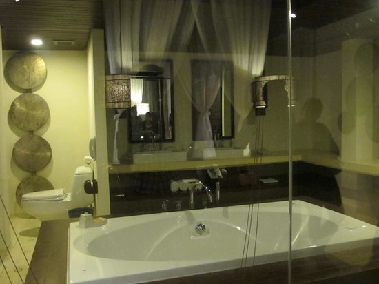 The Vijitt Resort Phuket: love the bath