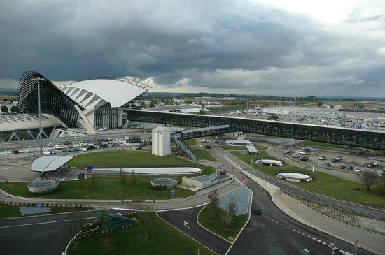 NH Lyon Airport : Vue de notre chambre