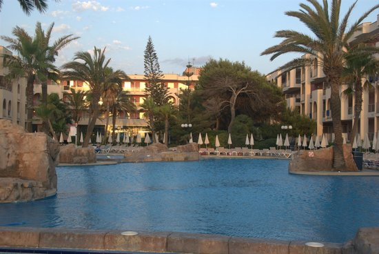 TUI FAMILY LIFE Alcudia Pins: view of swimming pool
