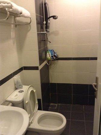 Beltif Hotel Kuala Lumpur: toilet