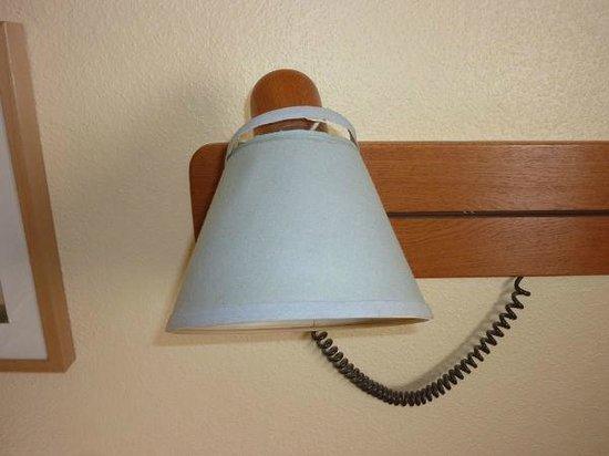 Hotel Scheffler: Kaputter Lampenschirm