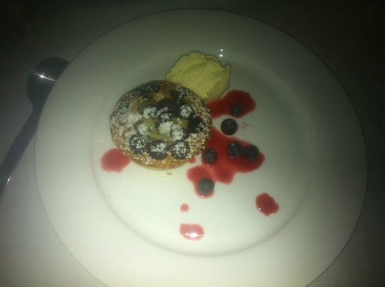 The Bunyip Scenic Rim Resort: delicious desert part of our great 3 course dinner!