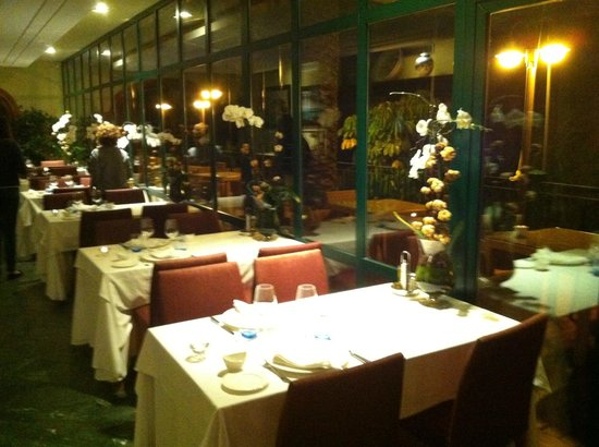Les Rotes Hotel: The dinner and breakfast restaurant