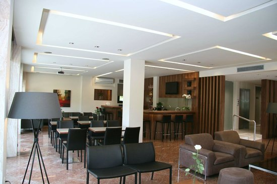 Alexakis Hotel: σαλόνι-μπαρ