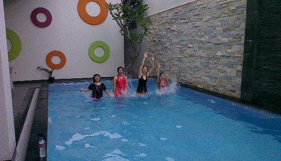 favehotel Kusumanegara: Unforgettable swimming pool