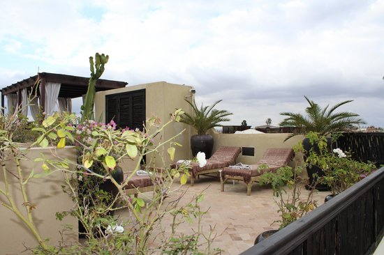 Riad Kheirredine: This is the rooftop where you can enjoy a lovely breakfast in the sun!
