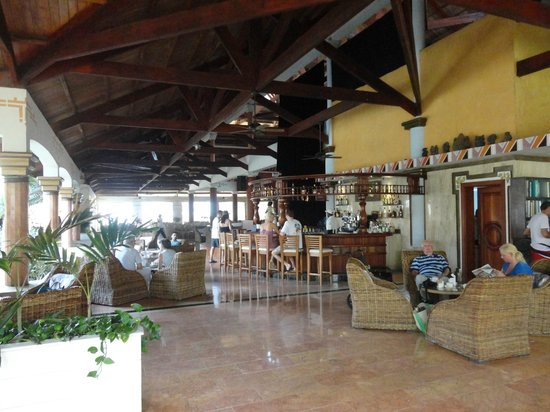 Excellence Punta Cana: The fabulous Martini Bar - great expresso and Spanish coffees