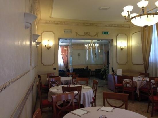 Villa Rosa Hotel: столовая