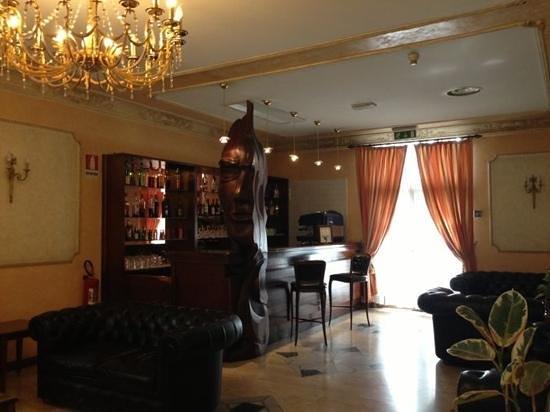 Villa Rosa Hotel: холл