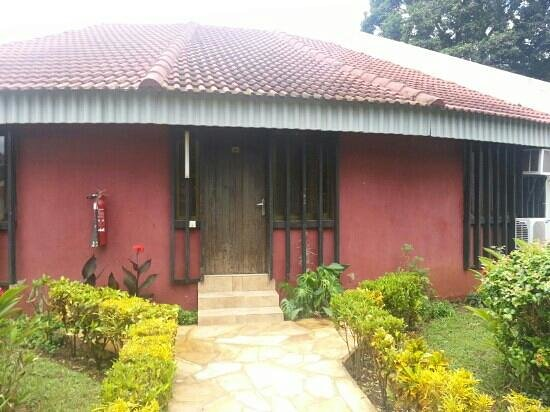 Morogoro Hotel: the room