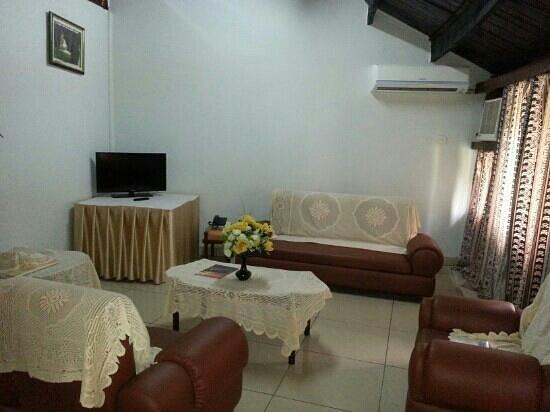 Morogoro Hotel: sitting room