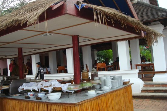 The Grand Luang Prabang Hotel & Resort: Restaurant mit Terrasse