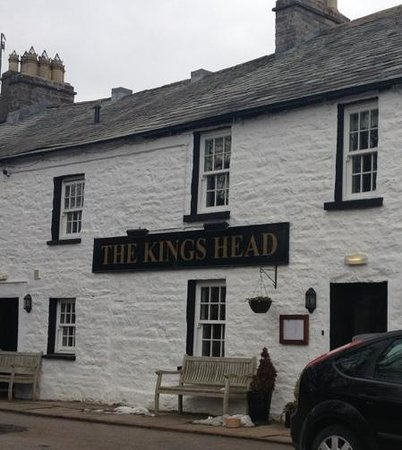 King's Head: front of the pub