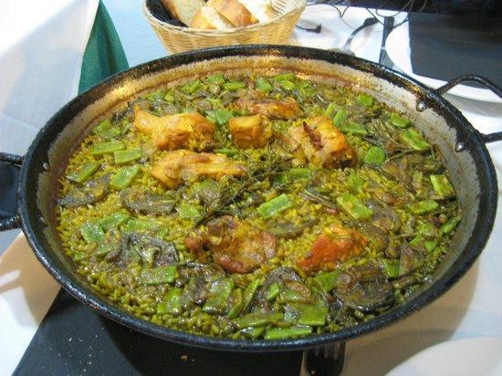 El Rall's Paella Valenciana with rosemary: delicious!
