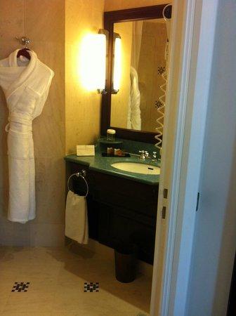 Hotel Pont Royal : Ванная комната