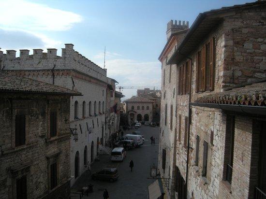 Hotel Dei Priori: vista diurna dalla nostra camera