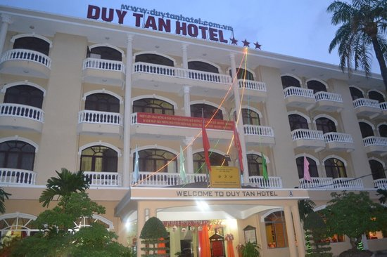 Duy Tan Hotel: The outside