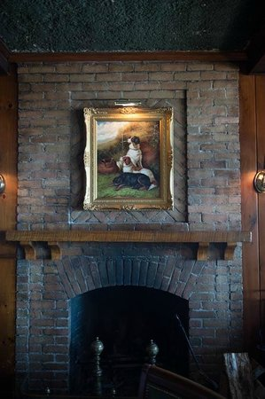 Sherwood Inn: Tavern Fireplace