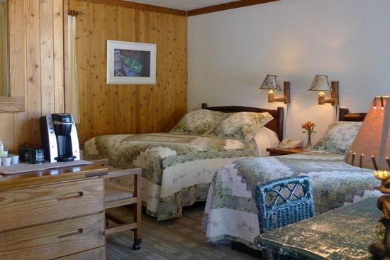 Adirondack Motel: Adirondack Style Comfort
