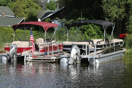 Adirondack Motel: Boat Rentals Available