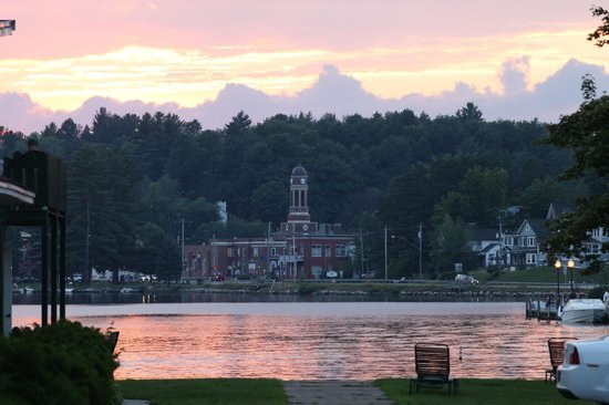 Adirondack Motel: Great Sunsets