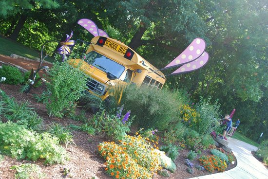 Bookworm Gardens: Magic School Bus