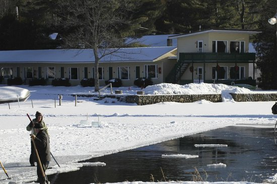 Adirondack Motel: Harvesting Ice Blocks for Carnival Palace