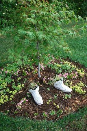 Bookworm Gardens: Pretty plantings