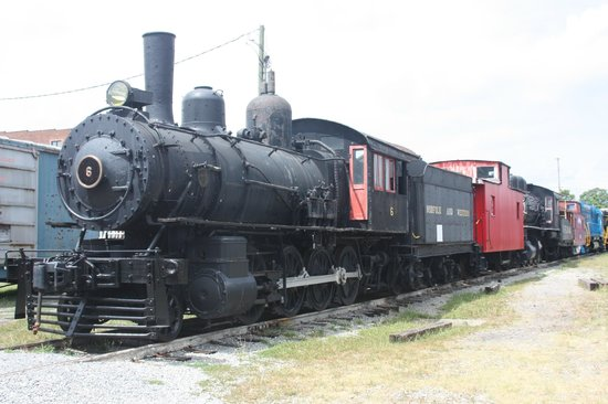 Virginia Museum of Transportation: Waiting for the call