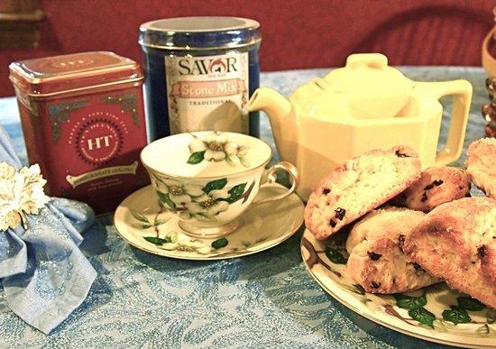 Bryn Brooke Manor: Tea and Scones