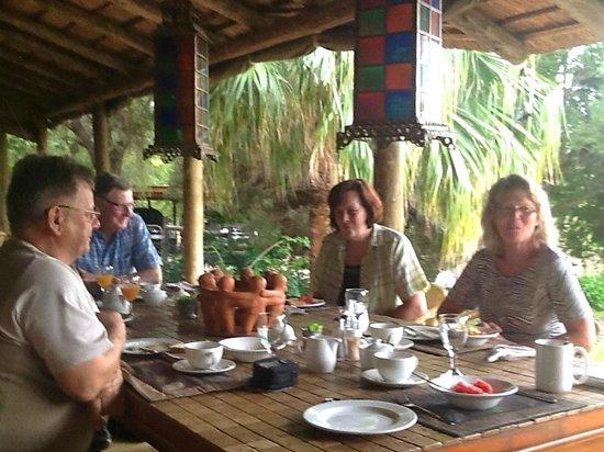 Thabile Lodge : Abendessen auf der Terrasse