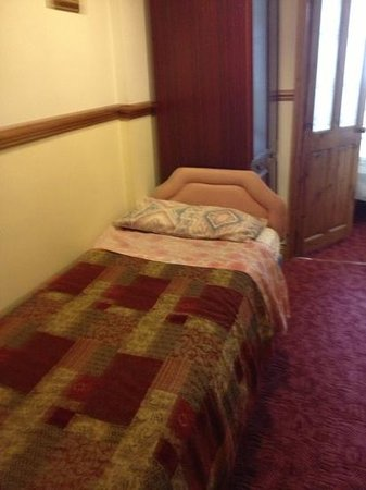 White Guest House: the additional bed