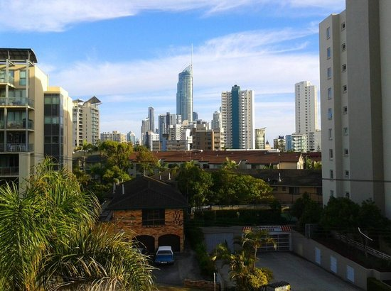 Warringa Surf Apartments: View from balcony towards Surfers Paradise