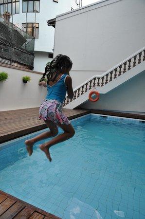 Kam Hotel Pool