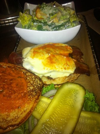 Harper's Burger Bar: Burger with Ceasar Salad