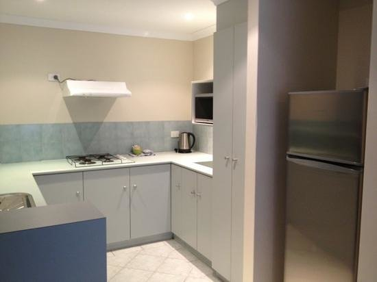 Mandurah Quay Resort: Kitchen.