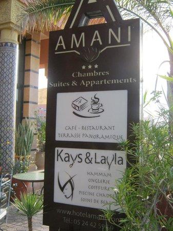 Amani Hôtel Appart: Insegna all'ingresso