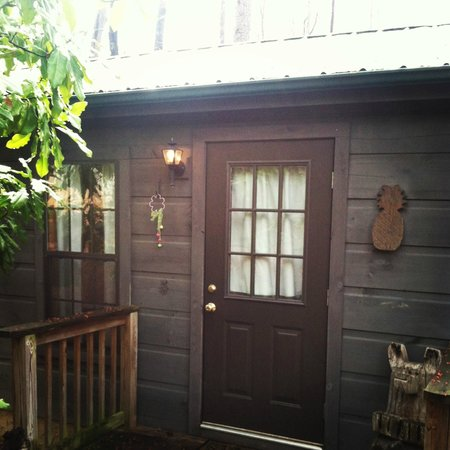 Arbor Cabins at Lake Lure: Outside of Magnolia