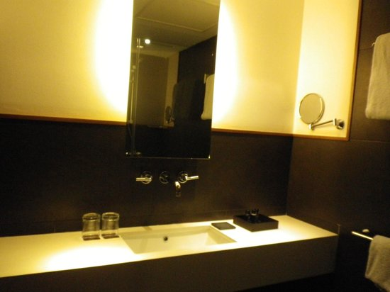 Hotel Advance: lavabo