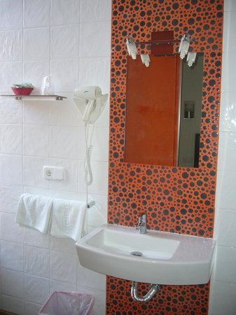 Hotel Dona Lola: Detalle del baño